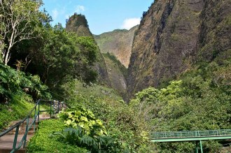 The Needle and the 'Iao Valley trail